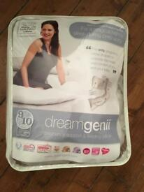 Dreamgenii Pregnancy & Feeding Cushion