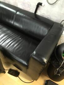 Leather sofa. 3 setaa