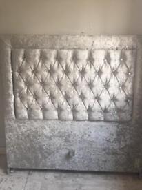 Velvet crushed bed