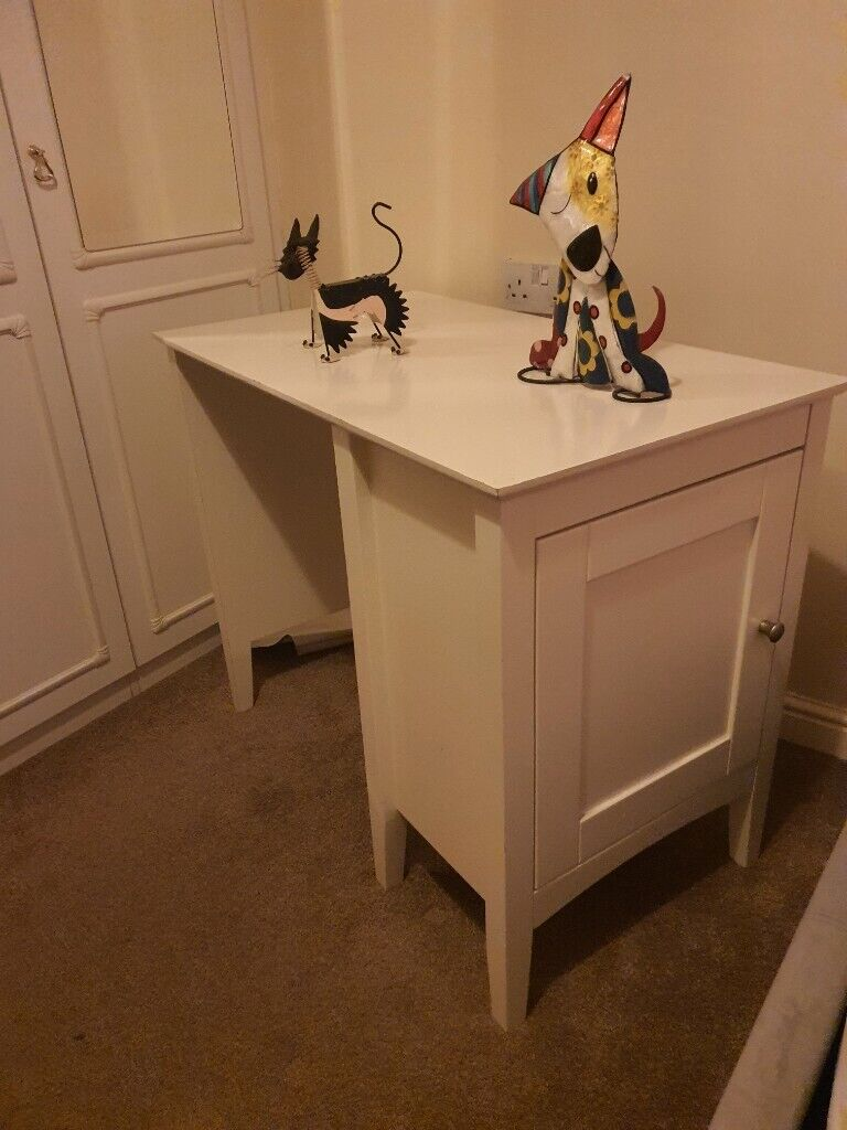 Child S Desk White In Carshalton London Gumtree
