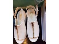Job lot jelly shoes and sandals 80 pairs