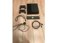 Playstation 4 PS4 Console 500gb black with two controllers, and all wires/cables Wall mount bracket
