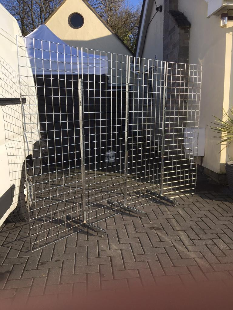 4 x 6ft x 2ft heavy duty gridwall panels and 3 heavy duty sturdy long support legs
