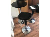 Kitchen Bar table and 2 stools