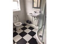 ***Lovely single room available at Canning Town £100 weekly***