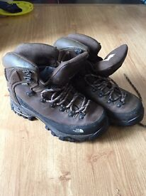 Ladies North face hiking boots (size 7)