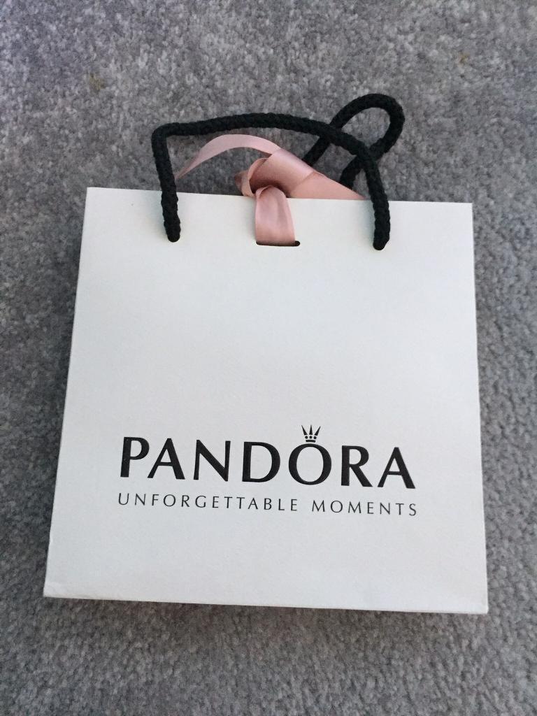 4 Pandora gift bags