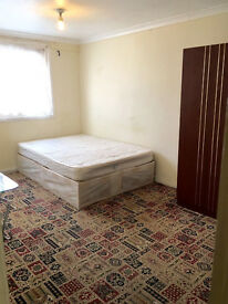 £££ LARGE double room in LEYTON