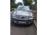 2010 (10reg) Mercedes-Benz ML350 CDI Sports (Factory fitted AMG body kit)