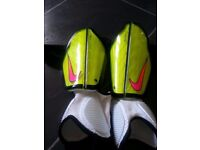 Nike pro tegga shinguards with ankle guard size s 150 cmto 180 cm roughly 10 yrs to adult