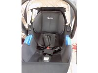 SILVER CROSS BABY CAR SEAT WITH HOOD AND COVER VERY NICE CONDITION