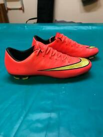Nike youths football boots - Size 5