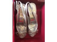 Never worn wedding shoes size 7 silver
