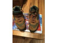 Hiking Boots - One Pair Hi-Tec Lady Lite 11 Rugged Boots Size 3