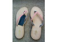 Tommy Hilfiger size 6 leather flipflops - new, with label attached