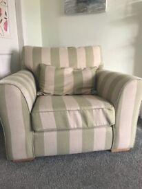 Next single chair