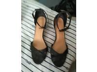 Shoesladies size 5