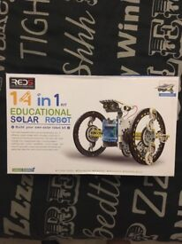 14 in 1 solar robot building kit. brand new. will deliver.