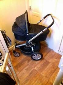 Quinny buzz 4 full travel system with extras