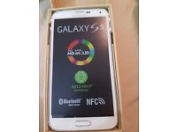 SAMSUNG GALAXY S5 WHITE 16GB UNLOCKED BOXED UK MODEL