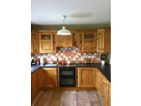 Complete Wooden Kitchen, excellent condition, ready for immediate collection