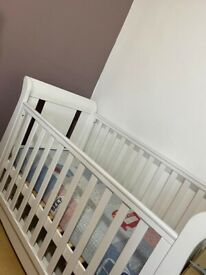 Cot bed excellent condition for sale come with two fitted bedsheets and pillows