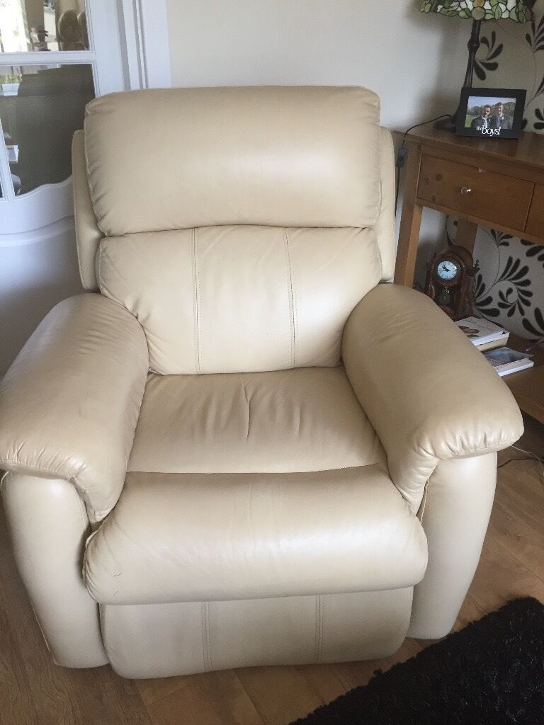 cream leather recliner chair in walton le dale lancashire gumtree