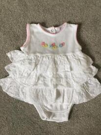 BABY GIRL WHITE EMBROIDERED BODYSUIT 9 MONTHS