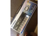 Yamaha EZ-220 Full sized keyboard