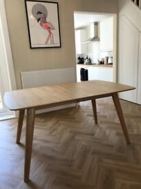 DINING TABLE WITH EXTENDED LEAF - BRAND NEW £300 ono