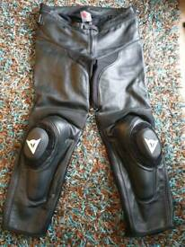 Dainese leathers as new, eu58
