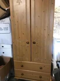 Double wardrobe with two drawers