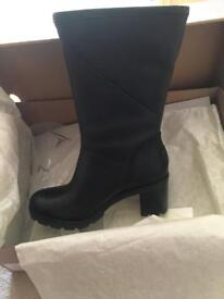 Ugg Jessia - Genuine Leather Ugg Boots