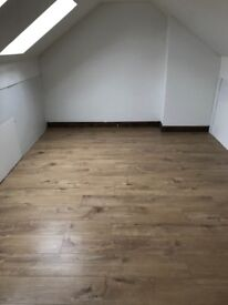 Flat ( 3 bed room flat brand new to rent ) cheap garauntee view highly recommend £1450pm (hugeflat)