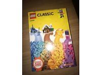 Lego 900 Pieces 10704
