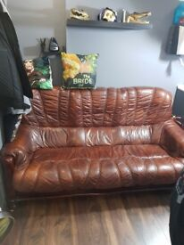 Brown leather sofa in good condition! 3 seater