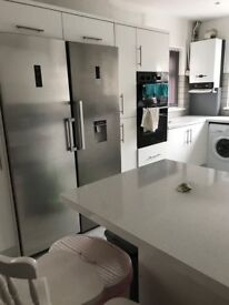 1 x double bedroom to rent immediately in student house, Brynmill, Swansea. 2017-18