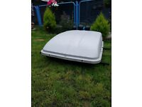 480L roof box with universal roof bars good condition ideal for holiday