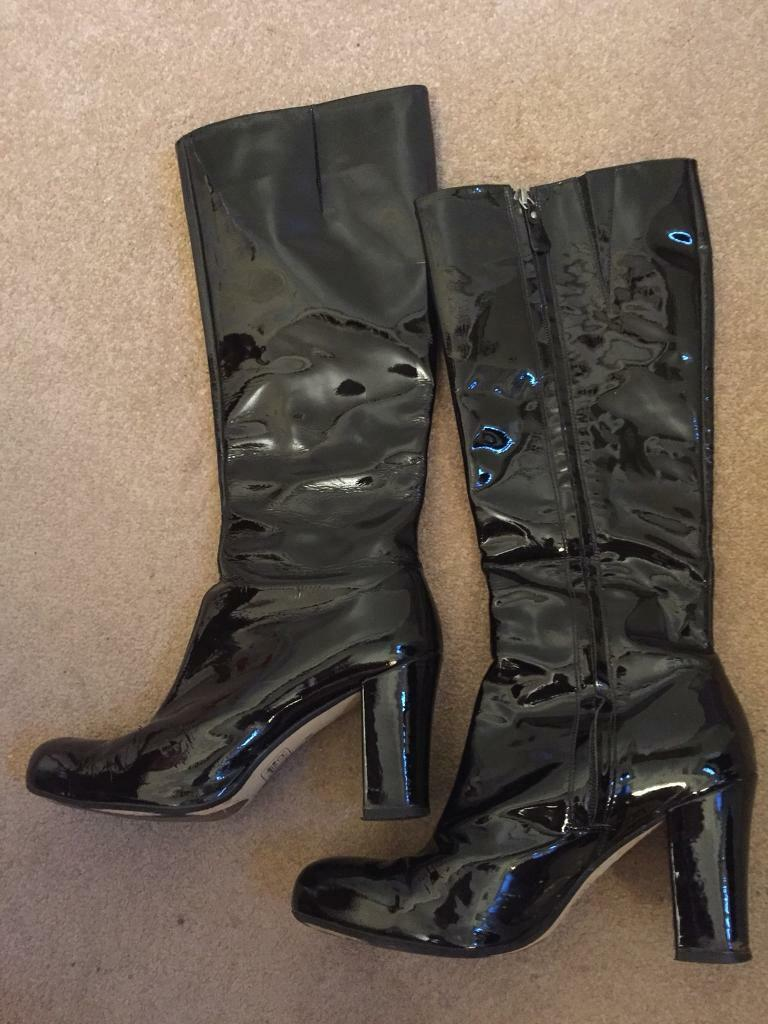 Ladies Clark's black patent knee high boots size 6
