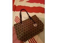 Genuine like new brown Micheal Kors bag worth £180 - in excellent condition