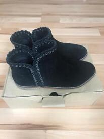 Girls Zara Black Suede Boots