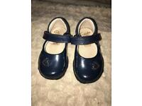 Navy Blue Patent Light up Baby / Toddler shoes by Clark's. First Shoes Infant Size 3g