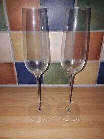 2 x champagne/prosecco flutes/glasses with blue glass stem detail, Leonardo Glass