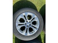 "Genuine Range Rover Evoque 18"" alloy wheels and tyres"