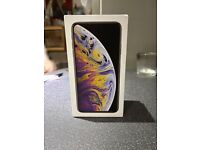 Mint condition iPhone XS Max 64gig silver unlocked