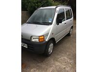 Daihatsu Move 850 , Manual Gearbox in Metallic Silver. Two previous owners on SORN , MOT Aug 2018
