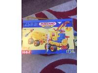 MECCANO JUNIOR SET 1730 FROM THE 70s ALL COMPLETE WITH INSTRUCTIONS