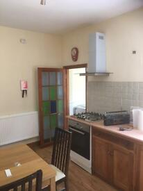 2 double bedroom house close to St George's Hospital