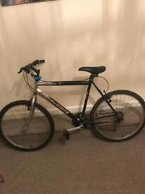 Men's mountain bike with accessories