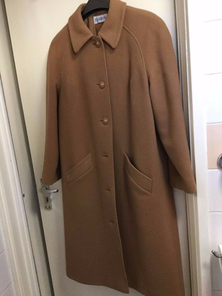 Brand new Women's long camel coat in very good condition only £30